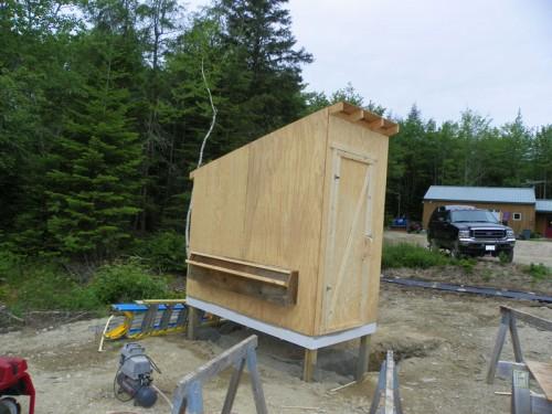 nesting box opening